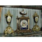 Часы с кубками