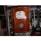 Часы настенные,большие(книга) ОЧЗ 1962 год.