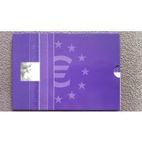 Набор Евро из 8 монет 2003 года + жетон 30 мм Ребёнок Новорожденный. UNC Книжка. Нидерланды