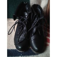 Ботинки кожаные деми р-р 38,5