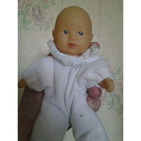 Маленькая куколка.
