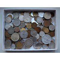 180 монет разных стран мира (без России и Украины)