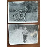 Два фото мальчика с велосипедами. 15х22 см. Цена за оба.