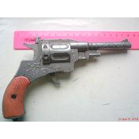 Игрушка револьвер под ленточные пистоны СССР