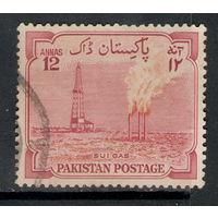 Пакистан /1955/ 8-я Годовщина Независимости / Газоперерабатывающий Завод / Michel #PK 76
