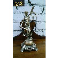 Бронзовая Статуя, Богиня Правосудия, Темида.