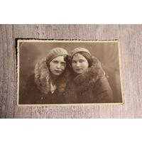 Фото 1935 года, Польша, клеймо фотоателье, размер 13.5*9 см.