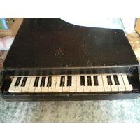 Пианино детское - в реставрацию.
