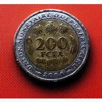 107-11 Западная Африка, 200 франков 2004 г.