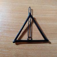 """Заколка """"Треугольник"""" (черная)"""