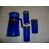 Кувшин и 3 стакана. Синее стекло , позолота. СССР.