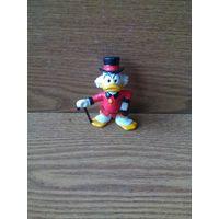 "Фигурка селезень Дядюшка Скрудж МакДак в красной куртке (Uncle Scrooge McDuck Red Jacket). Bullyland, Walt Disney. Made in West Germany. (""Утиные истории"", ""DuckTales"")"