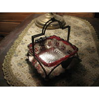 Конфетница антикварная Англия красное стекло серебро