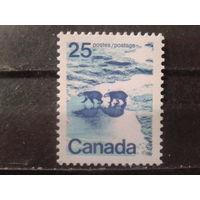 Канада 1972 Стандарт, белые медведи** К 12 1/2:12  Михель-3,4 евро