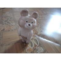 Фарфоровая статуэтка-мишка олимпийский