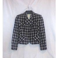 Демисезонный женский костюм из полупальтовой ткани. Р-р 40-42. Клетчатый комбинированный. Сшит на заказ.