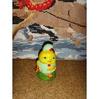 Цыпленок из яйца . Статуэтка