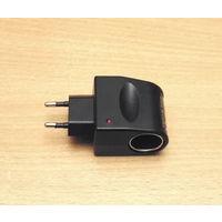 Сетевой адаптер (12V/500mA). Позволяет подключать маломощные автомобильные устройства.