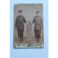 """Фотография солдат РИА с нагрудными знаками """"За отличную стрельбу"""""""