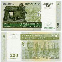 Мадагаскар. 200 ариари (образца 2004 года, P87b, UNC)