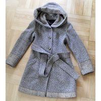 Пальто деми с капюшоном ( 70% шерсть)  S - M (42-44 размер наш)