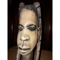 АФРИКА. Винтажная статуэтка из дерева 27 см.