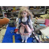 Кукла фарфоровая из Европы, 45 см.
