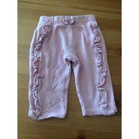Штанишки на 74 рост, мы носили на 68 см. Бледно-розового цвета, очень забавная игривая модель. Очень мягкий хлопочек, достаточно тепленькие. Длина 31 см, ПОталии тянется 20-24 см. Можно носить и укор