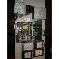 4 HDD, проц SL6VR (Intel Celeron 2 GHz), проц AMD Sempron SDX140HBK13GQ, материнка, радиатор, БП, кучка оперативок, экран Winstar