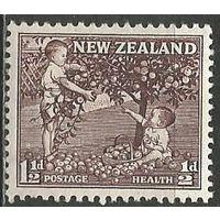 Новая Зеландия. Дети собирают яблоки. 1956г. Mi#363.