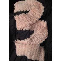 Теплый розовый шарф