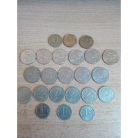 100 рублей России - монетами.