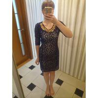 Платье с ожерельем