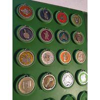 Папка с медалями, брелками, медальонами Шрэк 16 шт