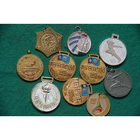 Медали спортивные  10 шт .
