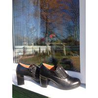 Ботинки деми на 38,5 размер
