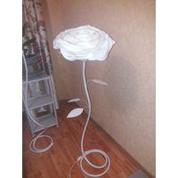 Светильник-торшер ручная работа в виде Розы белой