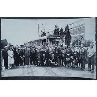 Фото на встрече группы ветеранов. 1980-90-е. 14.5х23 см.