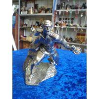 """Статуэтка """"В атаку!"""", никелированная бронза, 10,5 см, 755 грамм."""