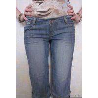 Женские джинсы до колена mini blue снизила цену