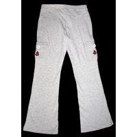 Модные спортивные штаны с карманами на застежке, на девочку 9-10 лет, абсолютно новые, пр-во Шри-Ланка, фабричный фирменный оригинал, цвет - светло серый, очень мягкий трикотаж, 100% хлопок, отличное