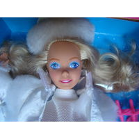 Барби, Winter Fun Barbie 1990