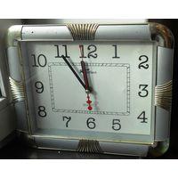 Часы настенные, не рабочие, хотя дергаются стрелки