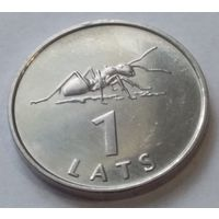 Латвия 1 лат 2003 года. Муравей. UNC. Из ролла.
