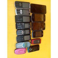 Телефоны 14шт,на запчасти или восстановление