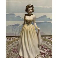 Статуэтка Jeniffer в элегантном платье Royal Doulton Англия винтаж