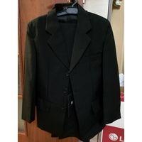 Новый школьный костюм на 134-140