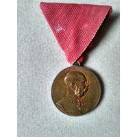 Австро-Венгрия.Медаль В память 50-летия восхождения императора Франца Иосифа I 1848-1916 гг на Австро-Венгерский престол 2 декабря 1898 года на ленте для военных лиц.