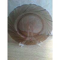 """Тарелка с Тёмного Стекла """"VERECO """" Франция - Размер 19 см."""