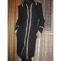 Пальто фирменное,-ЭЛЕМА,размер 42-44, почти новое, надела пару раз.
